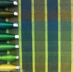 handwoven cloth sample, demonstrating how to create beautiful handwoven cloth using clashing colors